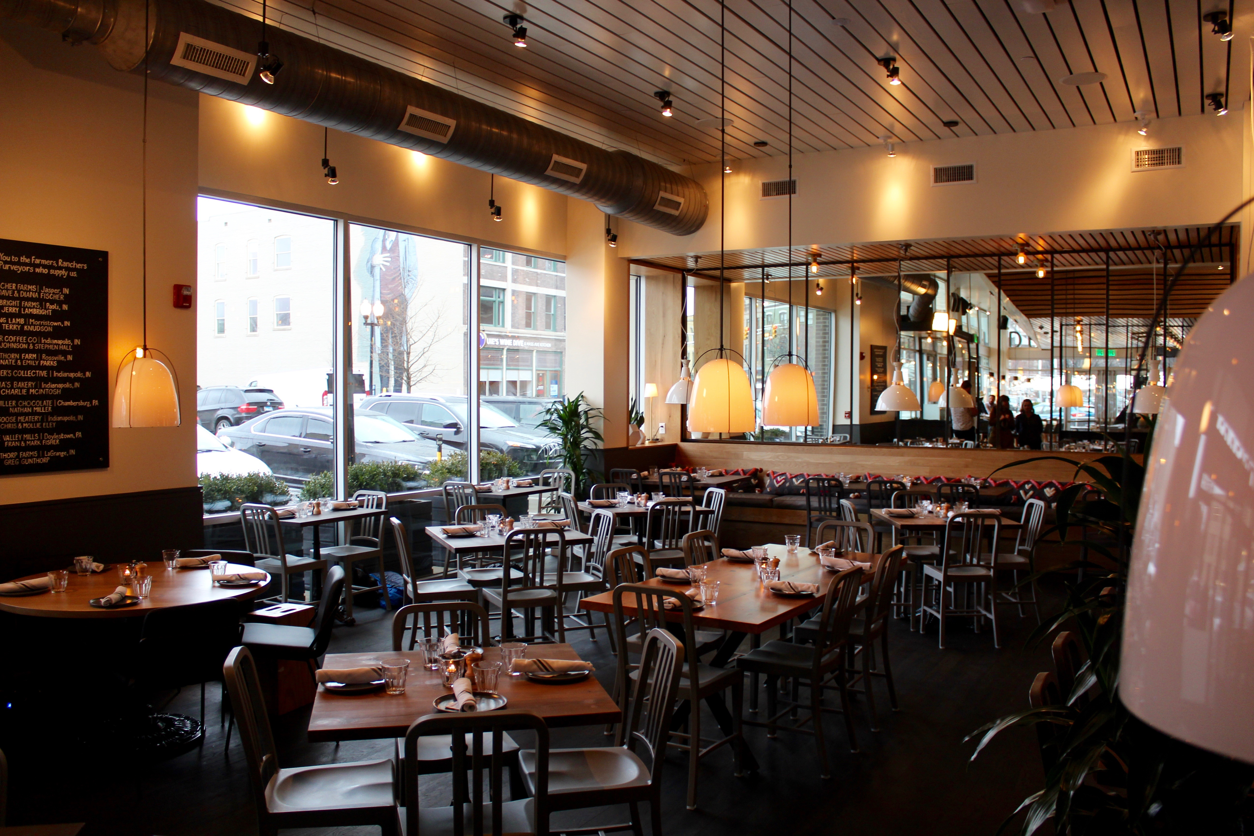 A Look At Kimbal Musks New Hedge Row Restaurant The Butler Collegian - Farm to table restaurants indianapolis